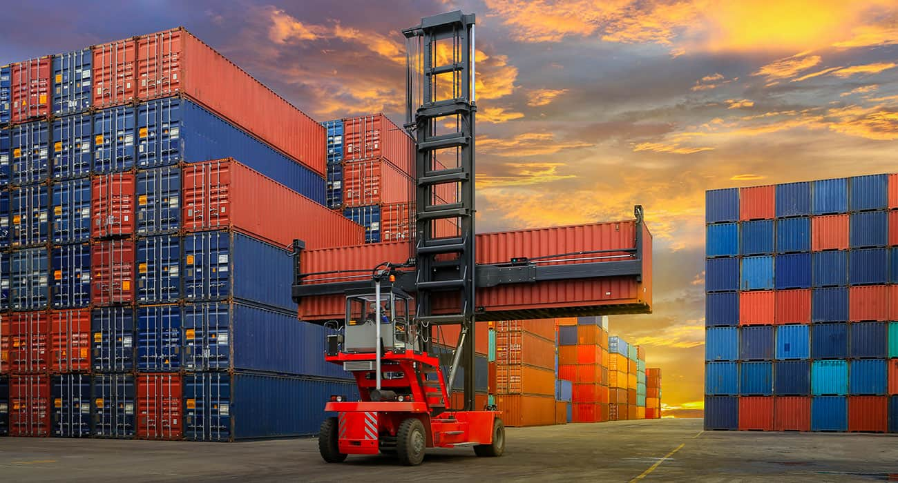 industrial-container-yard-logistic-import-export-business-04